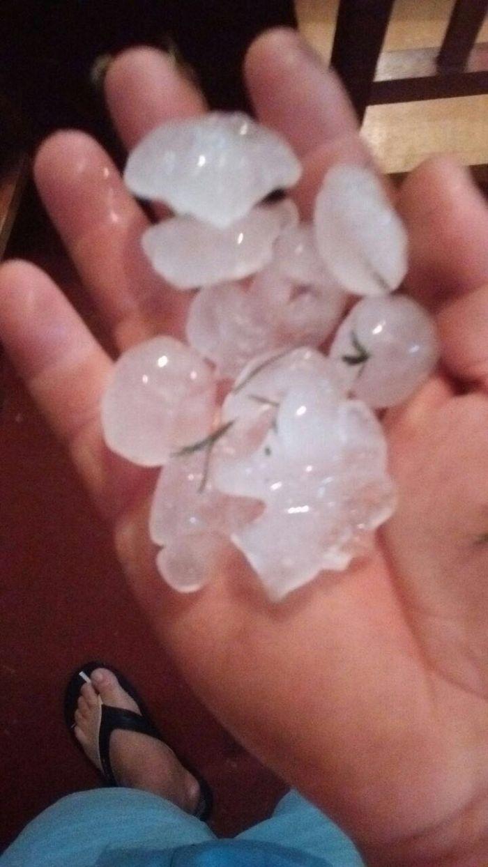 Imagens do dia - Chuva de pedra na região do Planalto Verde (GO). Envio do produtor José Roberto Brucceli