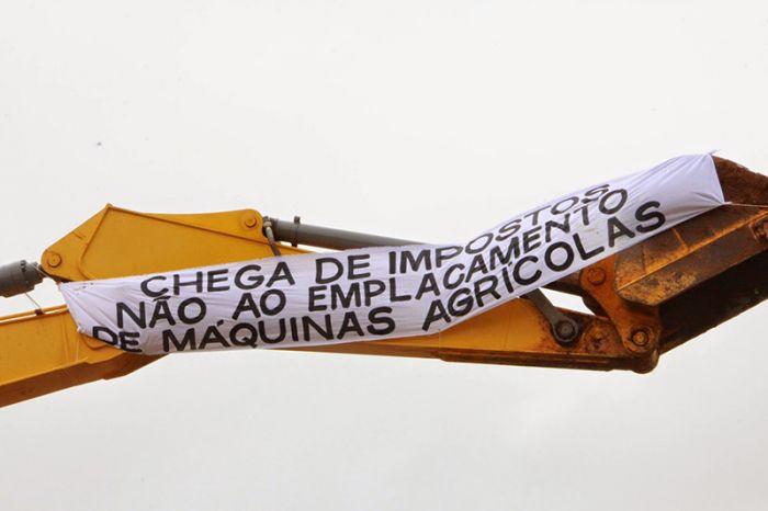 Protesto contra o emplacamento - Santiago/RS