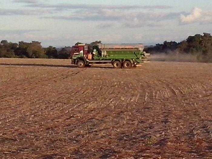 Imagem do Dia - Correção de solo com agricultura de precisão em Pérola do Oeste (PR), na lavoura de Fernando de Conti