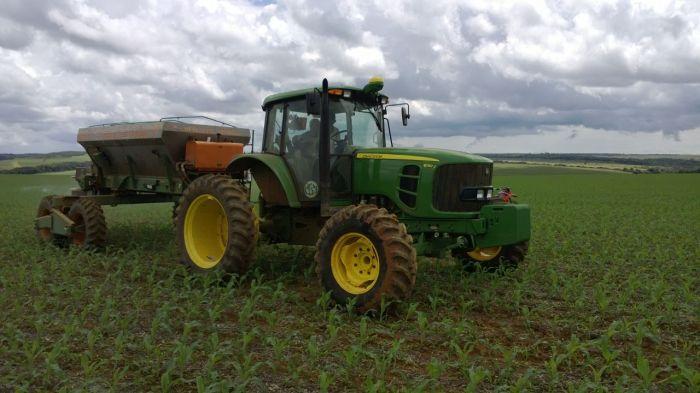 Tratamento de herbicida na lavoura de milho safrinha em Cristalina (GO), na Fazenda Santa Luzia da Família Bonato 2