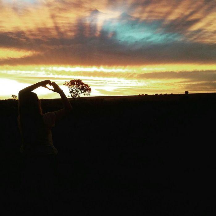 Imagens do dia - Pôr-do-sol em Monte Carmelo (MG). Envio do produtor Fábio Macedo